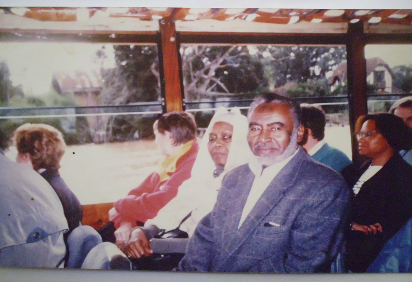 Prof-Elsheikh-and-Mrs-Mahgoub-on-boat-trip-on-the-Buenas-Aires-while-attending-ISHAM-meeting-in-Argentina-2000